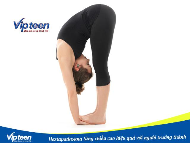 Tập luyện Hastapadasana giúp thân trên và cẳng chân dài hơn