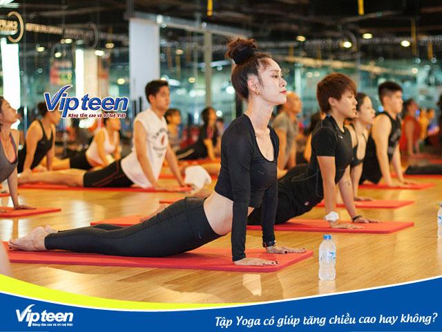 Yoga hỗ trợ cơ thể cao lớn khỏe mạnh
