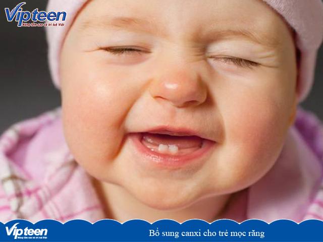 Bổ sung canxi cho trẻ mọc răng