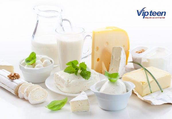 cách tăng chiều cao ở tuổi 16 - dùng sữa tươi