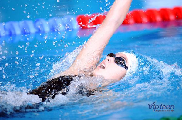 bài tập tăng chiều cao cho nữ - bơi lội