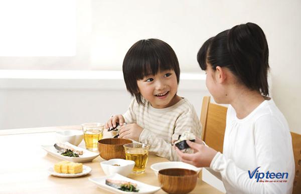 bí quyết tăng chiều cao - duy trì bữa sáng