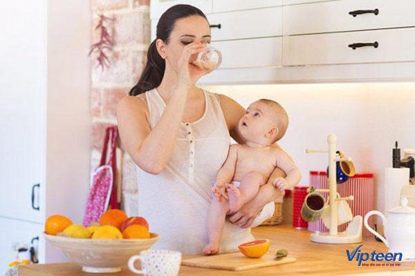 mẹ bổ sung dinh dưỡng là cách tăng chiều cao cho trẻ sơ sinh
