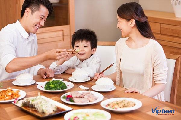 tăng chiều cao cho bé với các bữa ăn đủ dinh dưỡng