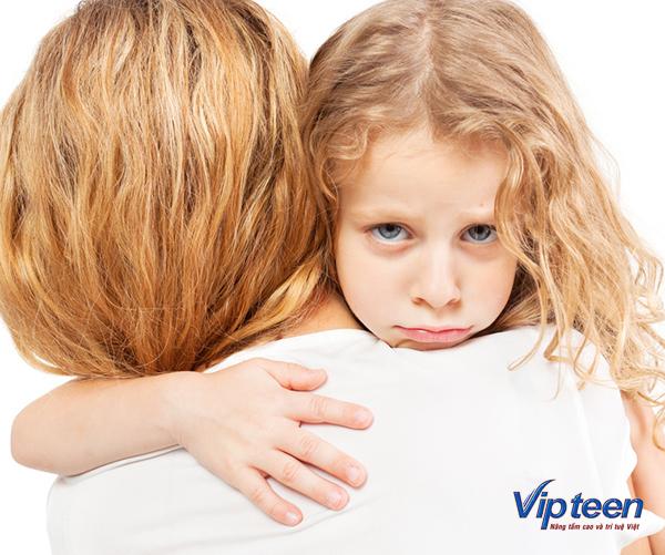 trẻ 6 tuổi bị rụng tóc vì stress
