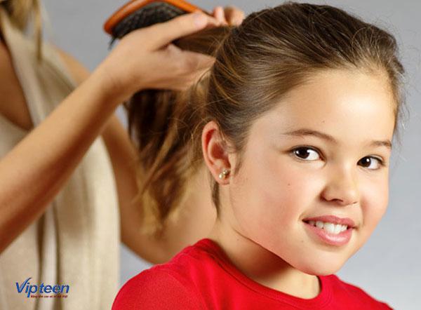 mẹ phải làm gì nếu trẻ 6 tuổi bị rụng tóc