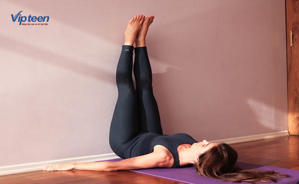 cách tập yoga tăng chiều cao với bài tập dựa chân vào tường