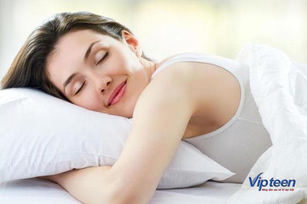 cách tập yoga tăng chiều cao kết hợp ngủ đủ giấc