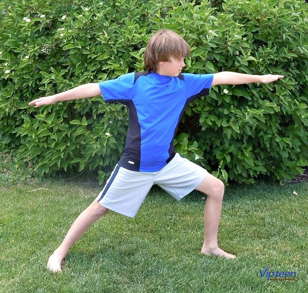 cách tập yoga tăng chiều cao với tư thế chiến binh