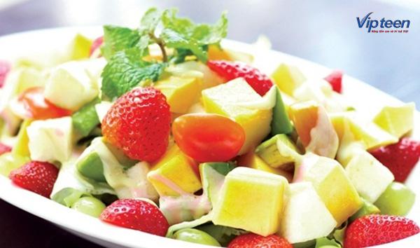 món ăn giúp tăng chiều cao - hoa quả dầm sữa chua