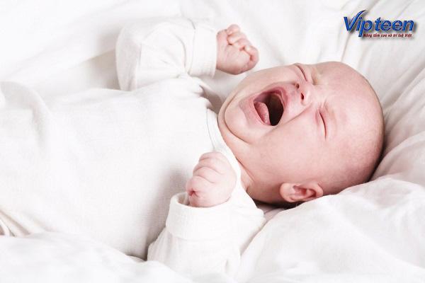 suy dinh dưỡng trẻ hay quấy khóc