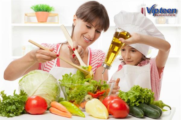 Cho dầu mỡ vào bữa ăn hàng ngày của trẻ