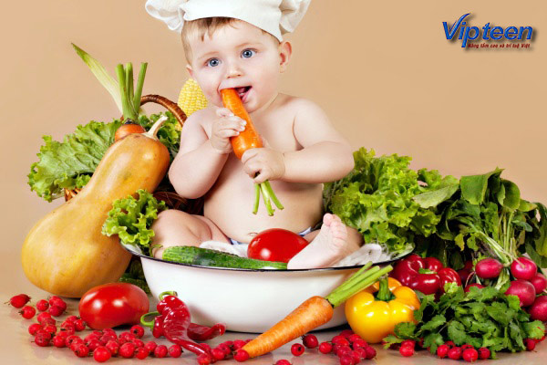 Cho trẻ ăn đầy đủ các chất dinh dưỡng