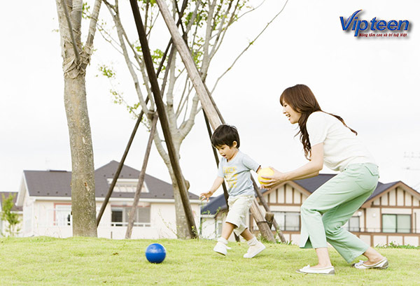 Khuyến khích trẻ vận động thường xuyên