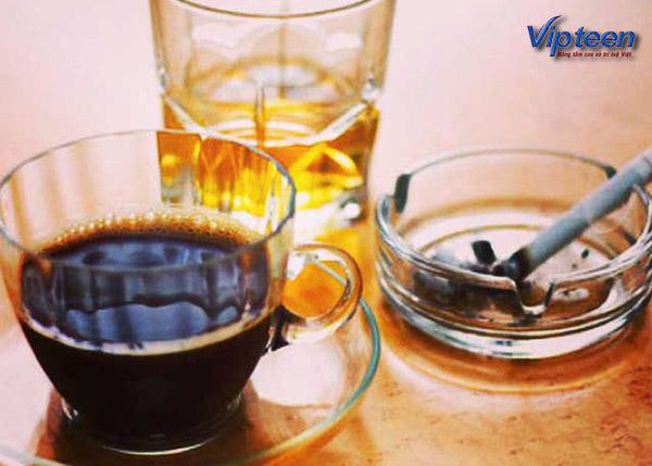 Tránh sử dụng rượu, cafe, thuốc lá