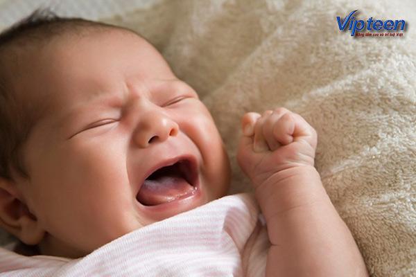 trẻ 5 tháng còi ngủ không ngon giấc