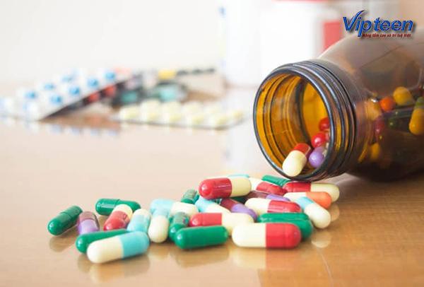 Trẻ bị còi xương nên uống thuốc theo chỉ định thích hợp