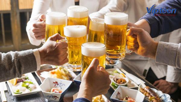 uống canxi không nên uống rượu bia