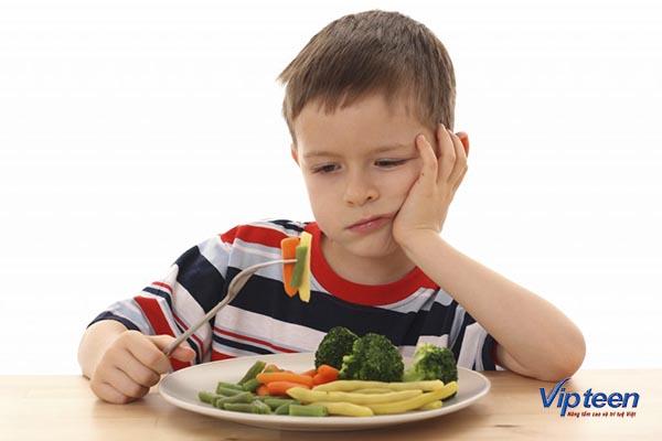 Biếng ăn cũng là một dấu hiệu thừa canxi