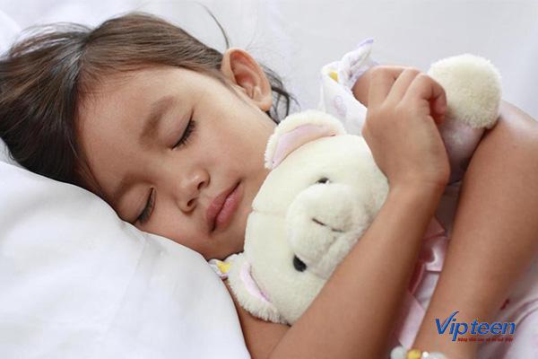 Tạo môi trường lý tưởng giúp con ngủ ngon hơn