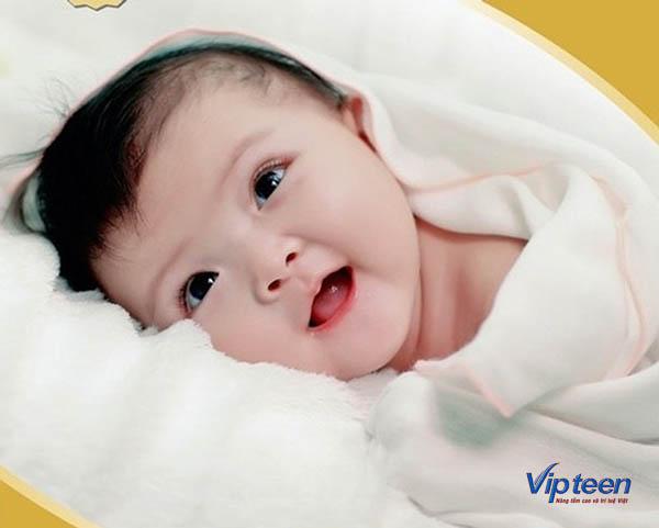 Đặc điểm tóc trẻ sơ sinh