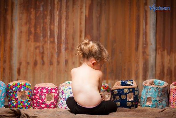 Trẻ bị vẹo cột sống bẩm sinh