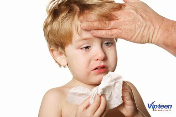 Viêm đường hô hấp trên có thể khiến trẻ phát sốt