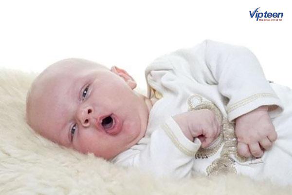 Trẻ ra mồ hôi trộm do bị viêm đường hô hấp