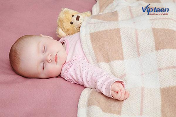 Tạo môi trường ngủ với nhiệt độ lý tưởng, tránh gây ra viêm đường hô hấp trên ở trẻ sơ sinh
