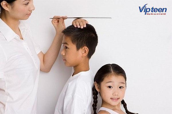 Canxi là dưỡng chất không thể thiếu giúp trẻ phát triển chiều cao
