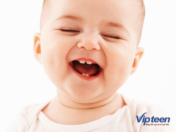 Trẻ chậm mọc răng có sao không?
