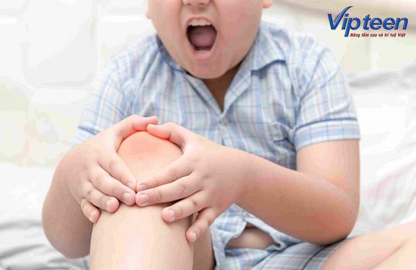 Trẻ nhức mỏi chân