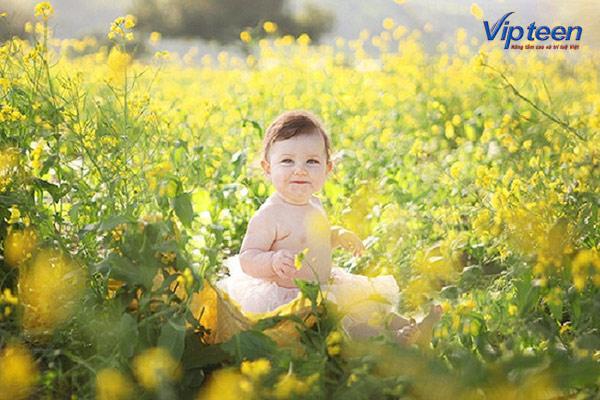 Cho trẻ 9 tháng còi xương tắm nắng hàng ngày bổ sung Vitamin D
