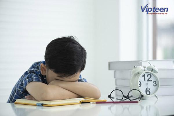 trẻ nhẹ cân thấp còi ảnh hưởng đến trí lực