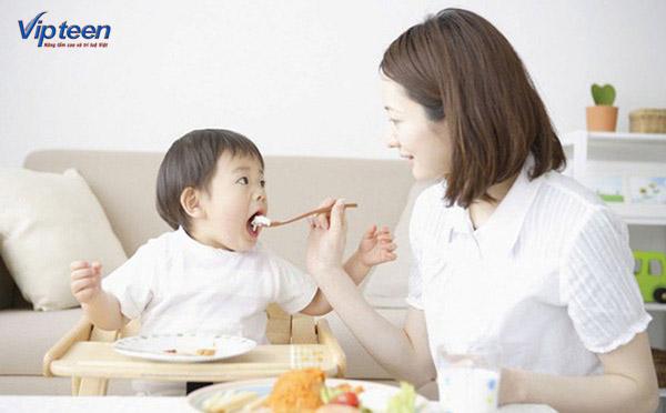chăm sóc dinh dưỡng cho trẻ thấp còi