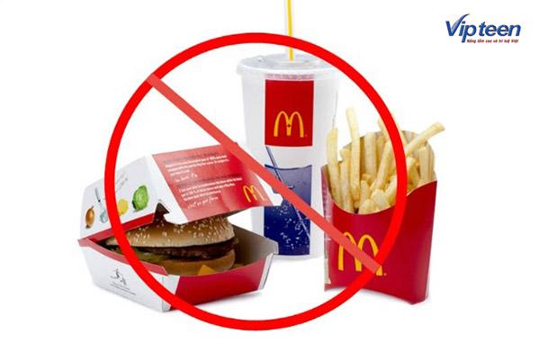 thực phẩm cần tránh để tăng chiều cao tuổi 18