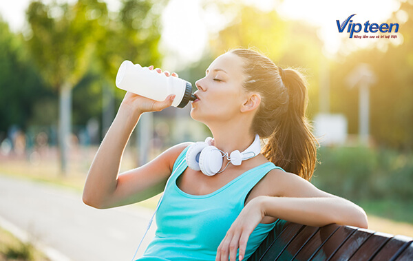uống nước giúp tăng chiều cao nhanh chóng